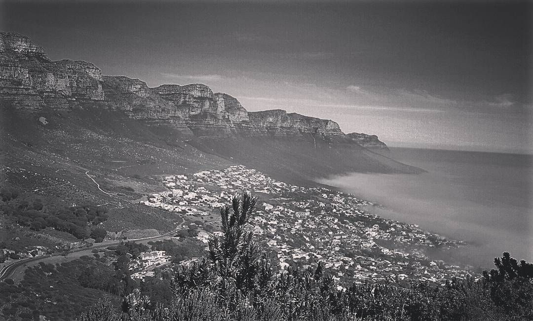 Fog coming into campsbay today making for some sick views from lions head. #capetownmag #shotsofafrica #cityofcapetown #southafrica #lionshead #blackandwhite #12apostles #tablemountainnationalpark #tablemountain by scooba_rat http://ift.tt/1ijk11S