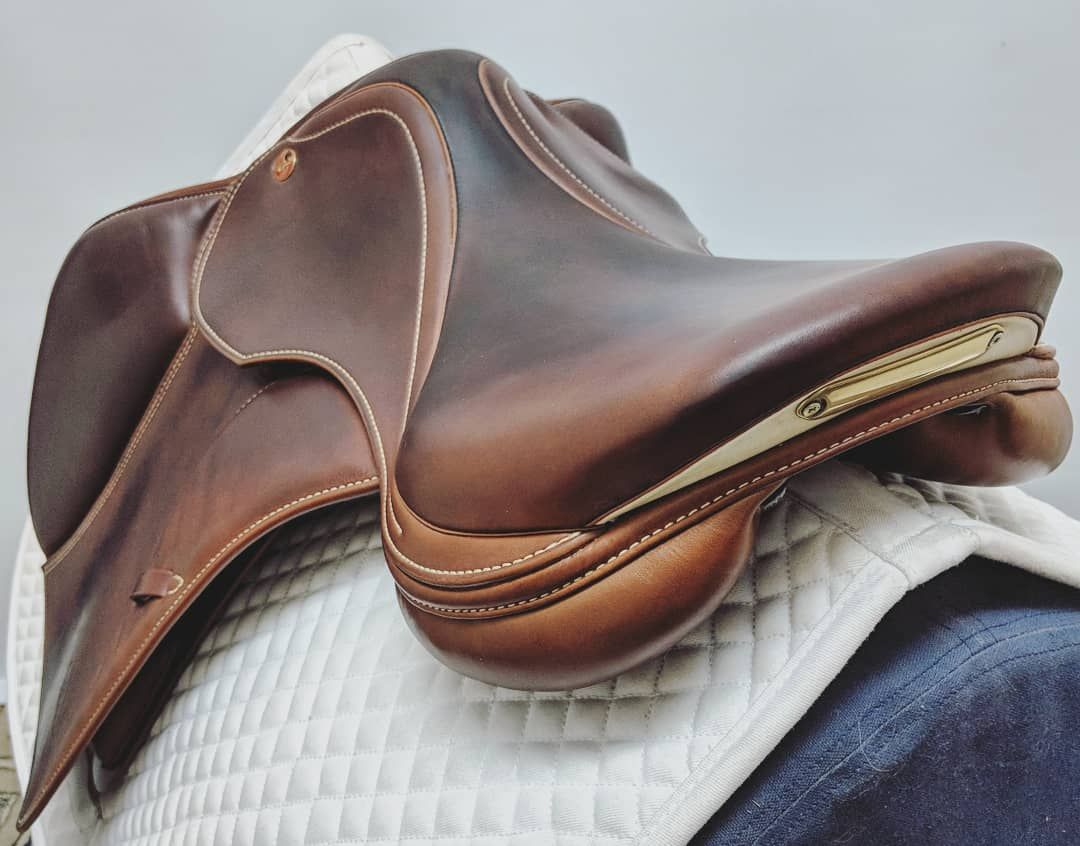 stunning Prestige Paris D jump saddle | Dutchess saddles