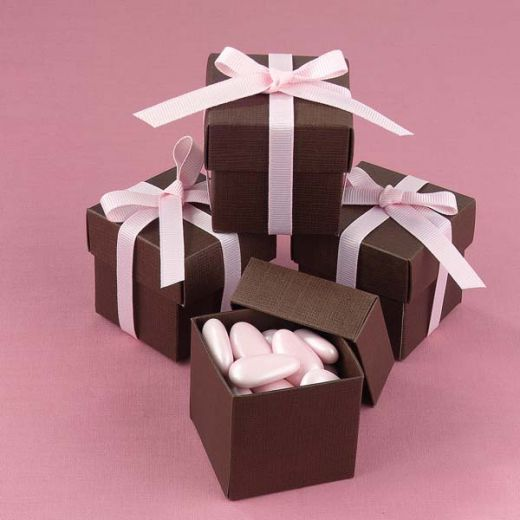 Cute Wedding Favor Boxes Your Guests Will Love Fill Them With