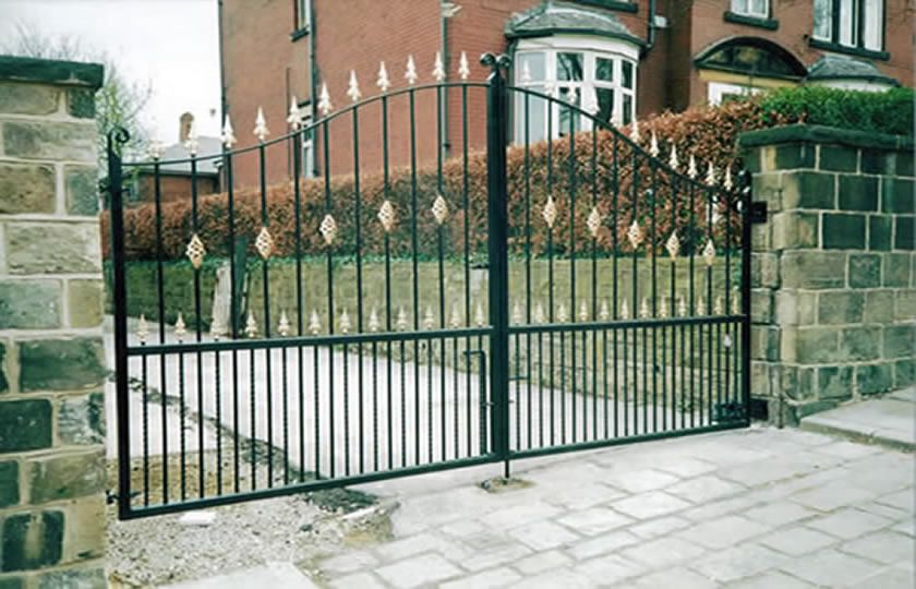 Gates and Railings in Leeds, Security Gates, Doors, Grilles …