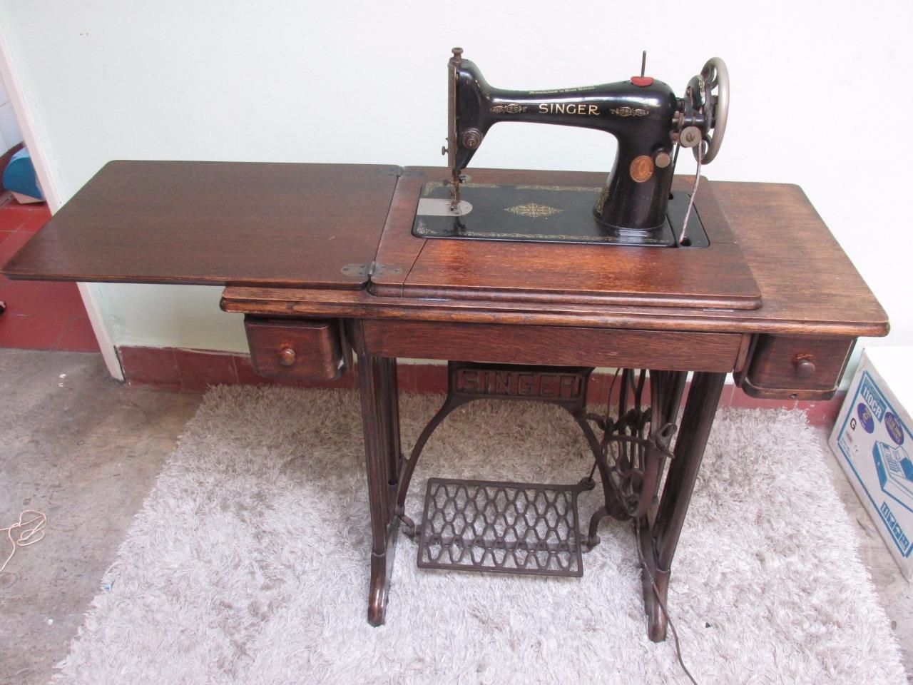 Antique 1915 SINGER Treadle Sewing Machine No66 - Needs