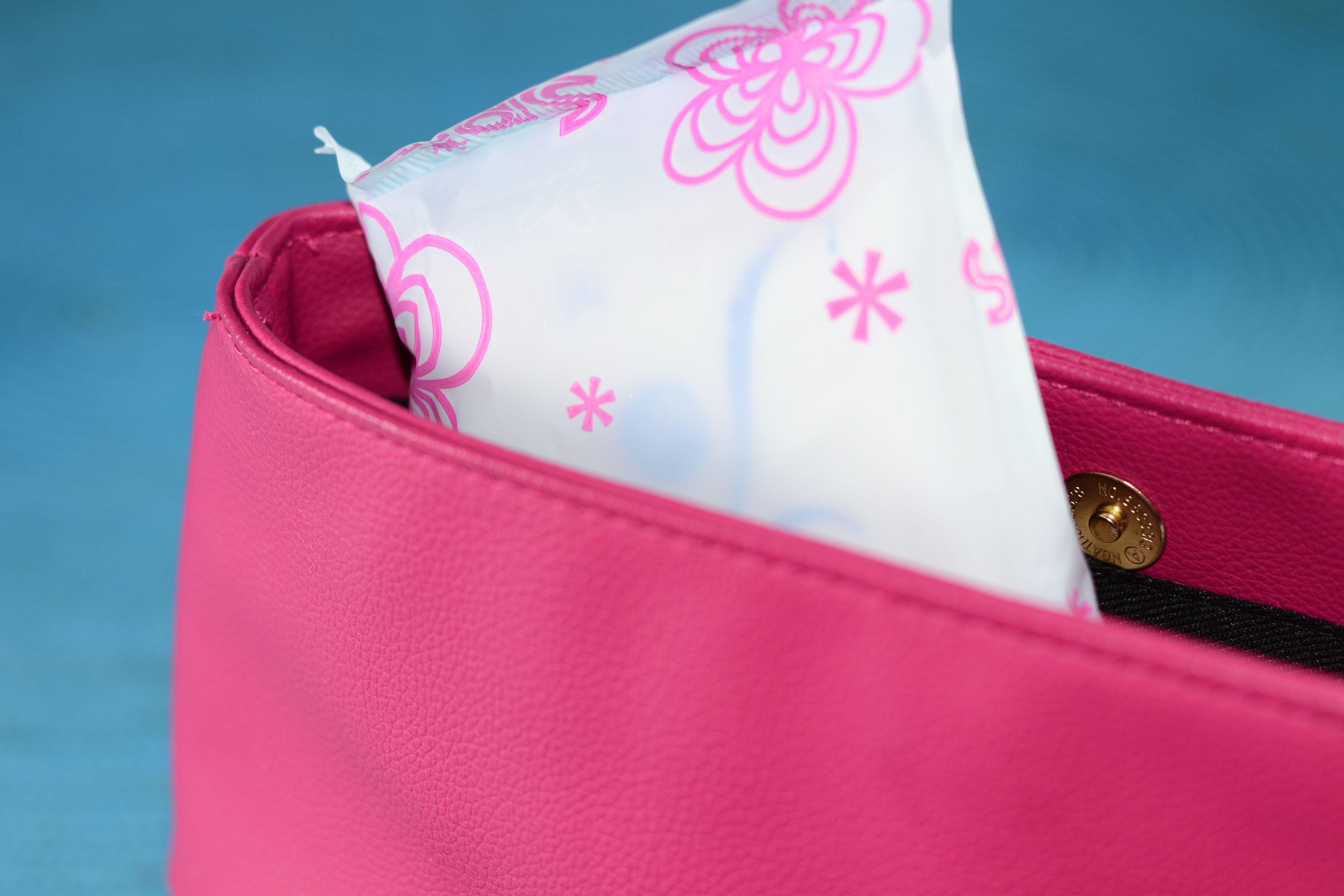 Make an Emergency Period and Makeup Kit Period kit