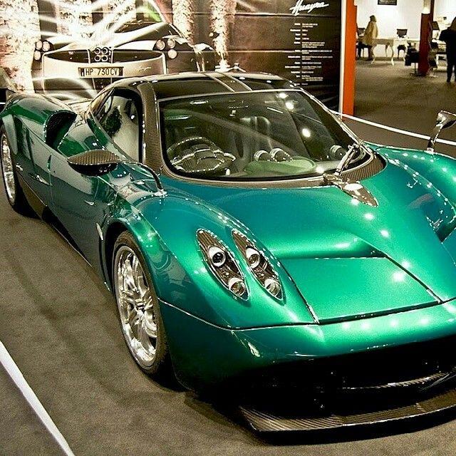 Pagani Huayra Emerald