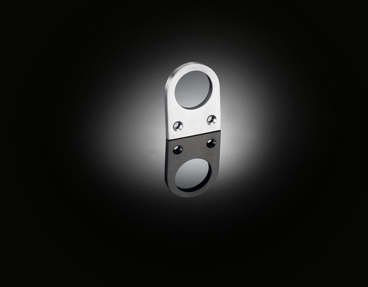 izé details Apple tv, Remote, Door handles