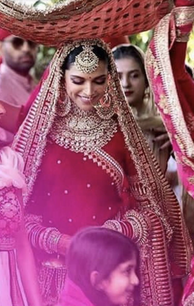 9b96e1be89 Deepika Padukone Saree, Deepika Ranveer, Ranveer Singh, Ranbir Kapoor,  Indian Wedding Ceremony