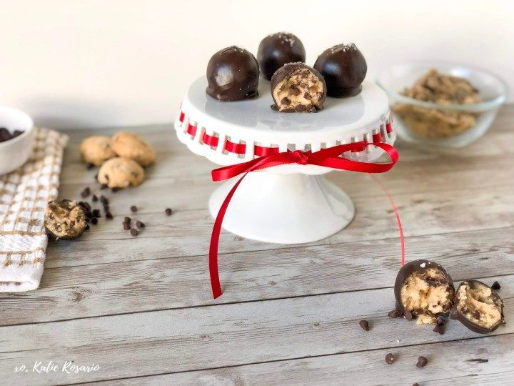 Chocolate Chip Cookie Dough Truffles #chocolatechipcookiedough