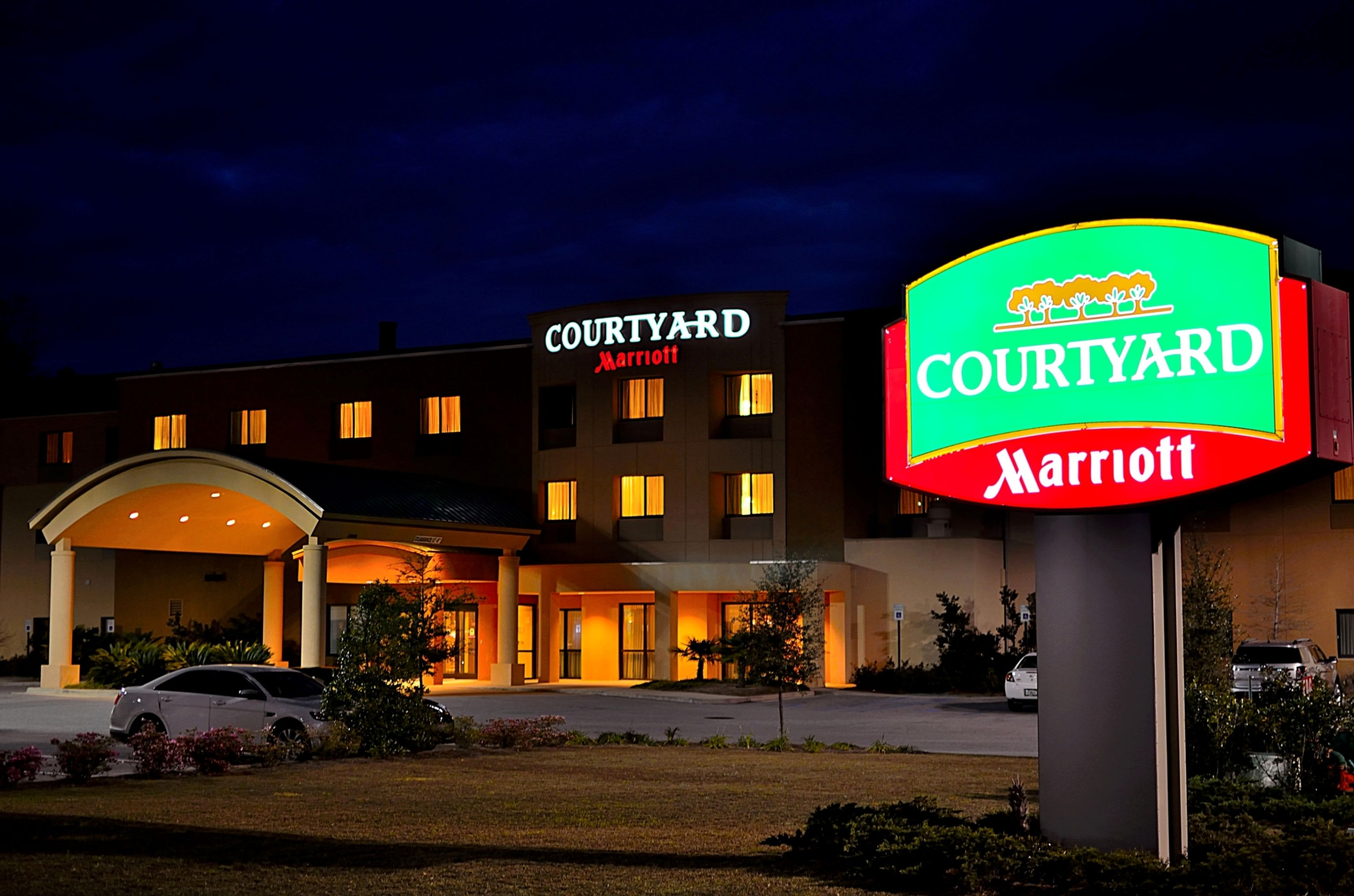 Courtyard Marriott Mobile/Daphne, Eastern Shore Located at