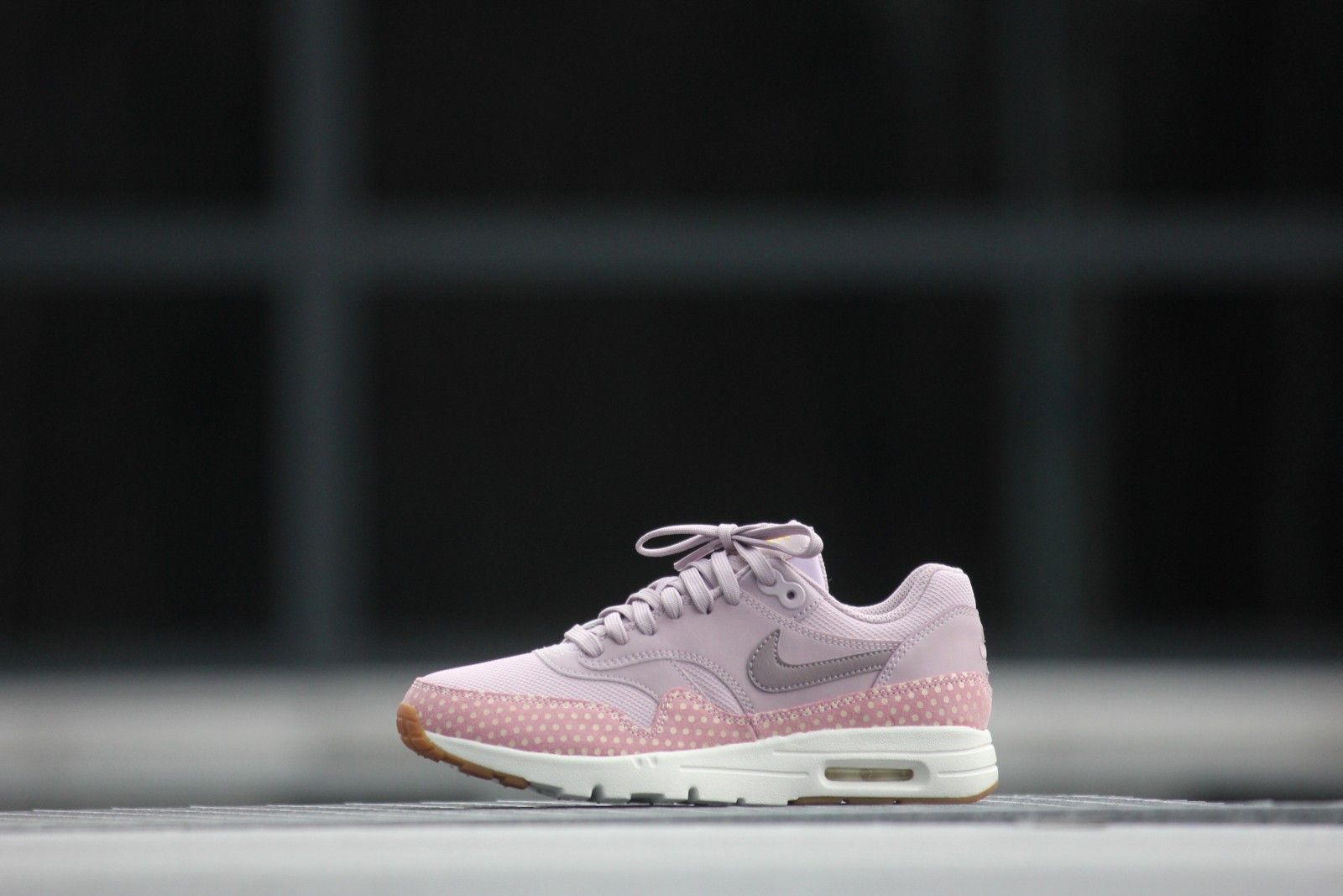 newest collection f2414 0b7bd Nike Wmns Air Max 1 Ultra Essentials Plam Fog Purple-Smoke - 704993-501