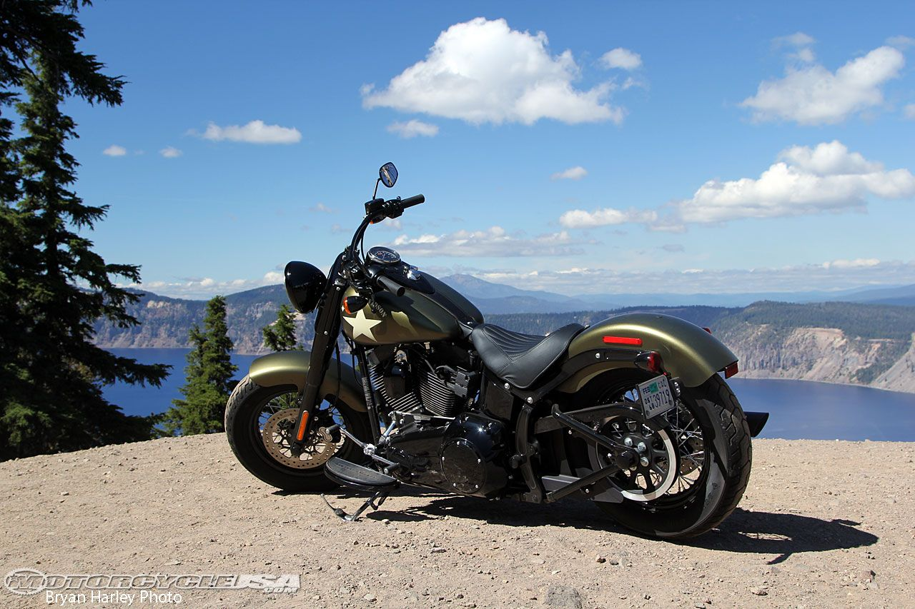 16-Softail-Slim-S-at-Crater.jpg 1280×853 pikseliä
