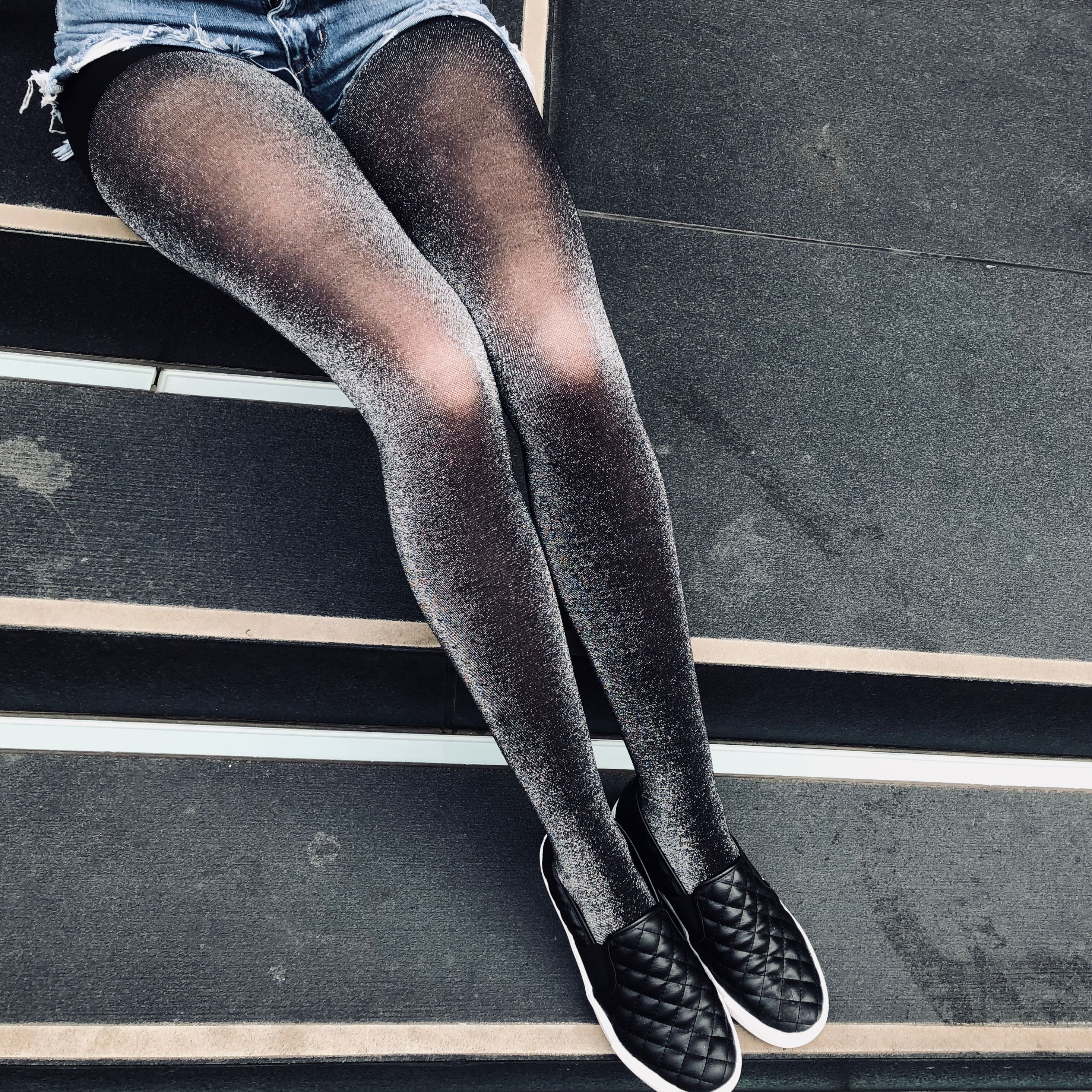 c24e917ca MEMOI GLITTER TIGHTS  Opaque tights with glitter. 40 denier   Control top.  Available in black gold