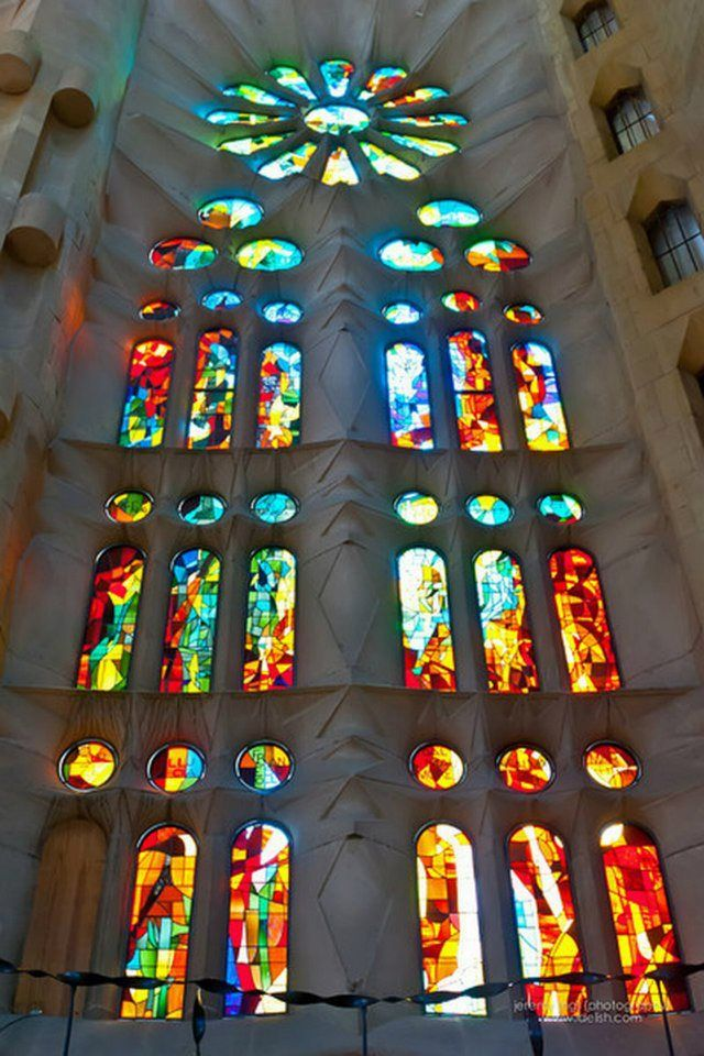 La sagrada familia interior architectureinterior design Pinterest