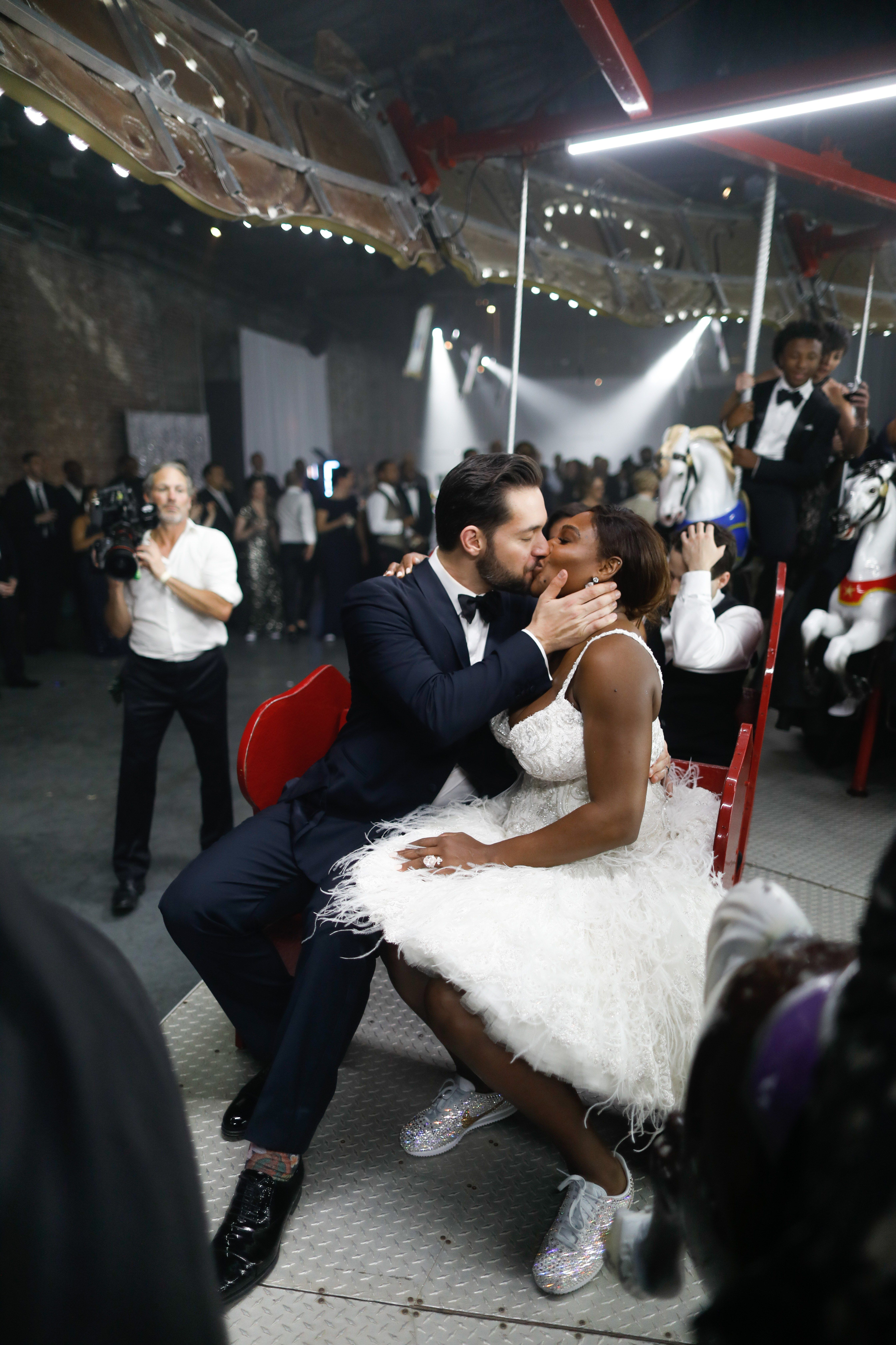 Serena Williams And Alexis Ohanian S Wedding Photo Album Is Here Serena Williams Wedding Serena Williams Alexis Serena Williams