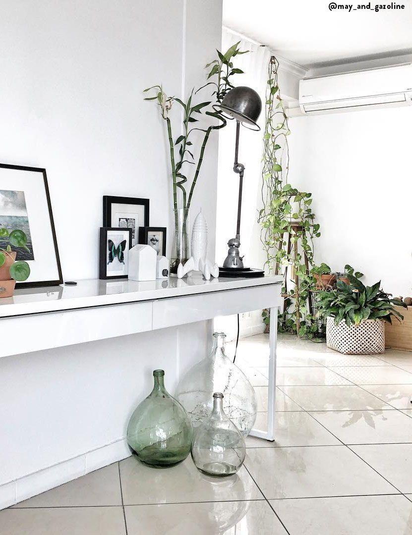 Les Accessoires Deco Et Meubles D Entree Conferent A Votre Interieur Un Accueil Unique Et Chaleureux Savamment Cho Mobilier De Salon Meuble Entree Deco Maison