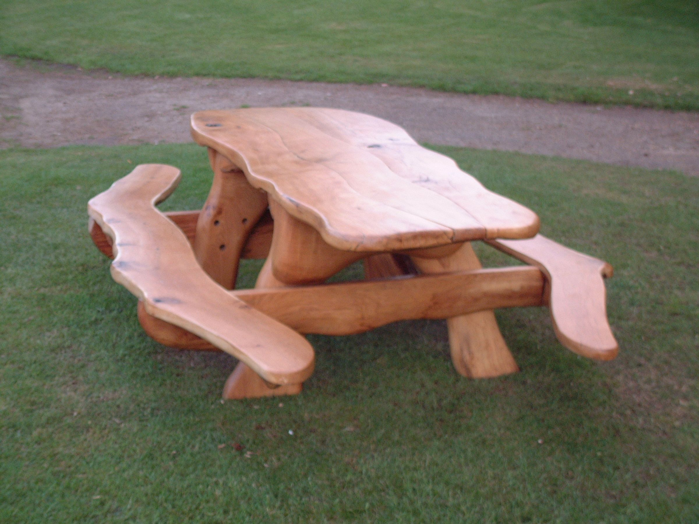 my next picnic tablelove wood tables