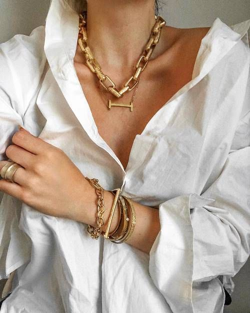 6 Fall Jewelry Trends Our Readers Are Loving,Fall Jewelry Trend - chain links Don the wristba...-#chain #Don #Fall #Jewelry #links #loving #LovingFall #readers #trend #trends #wristba