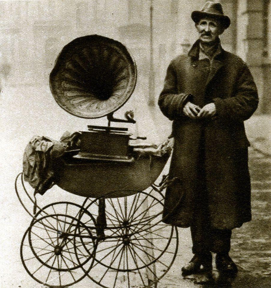 U.K. Street gramophone player - London 1920s