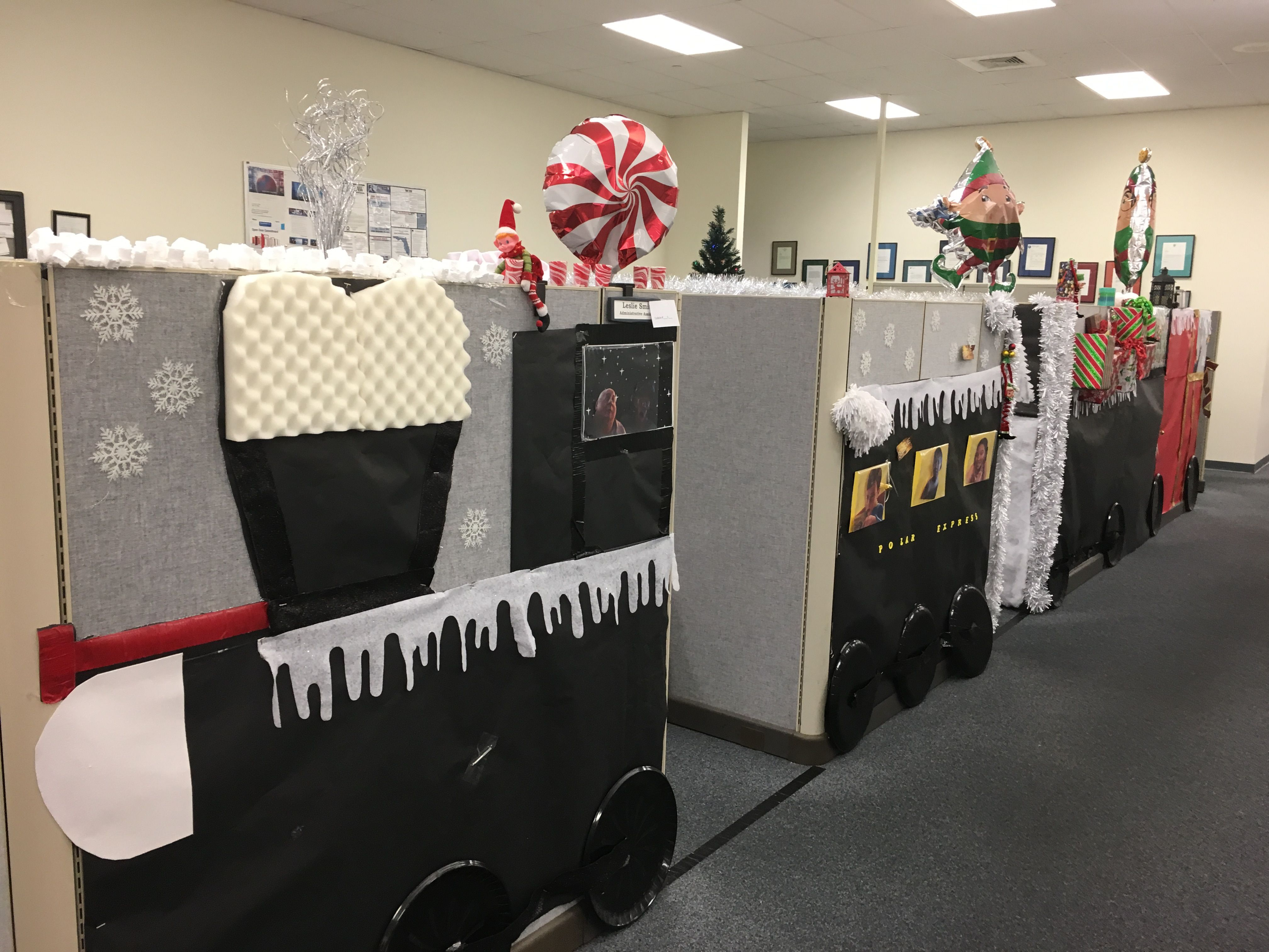 Cubicle office holiday decorating polar express for Cubicle decoration xmas