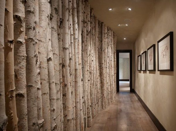 Wunderschöne Deko Aus Baumstämmen An Der Wand Im Flur