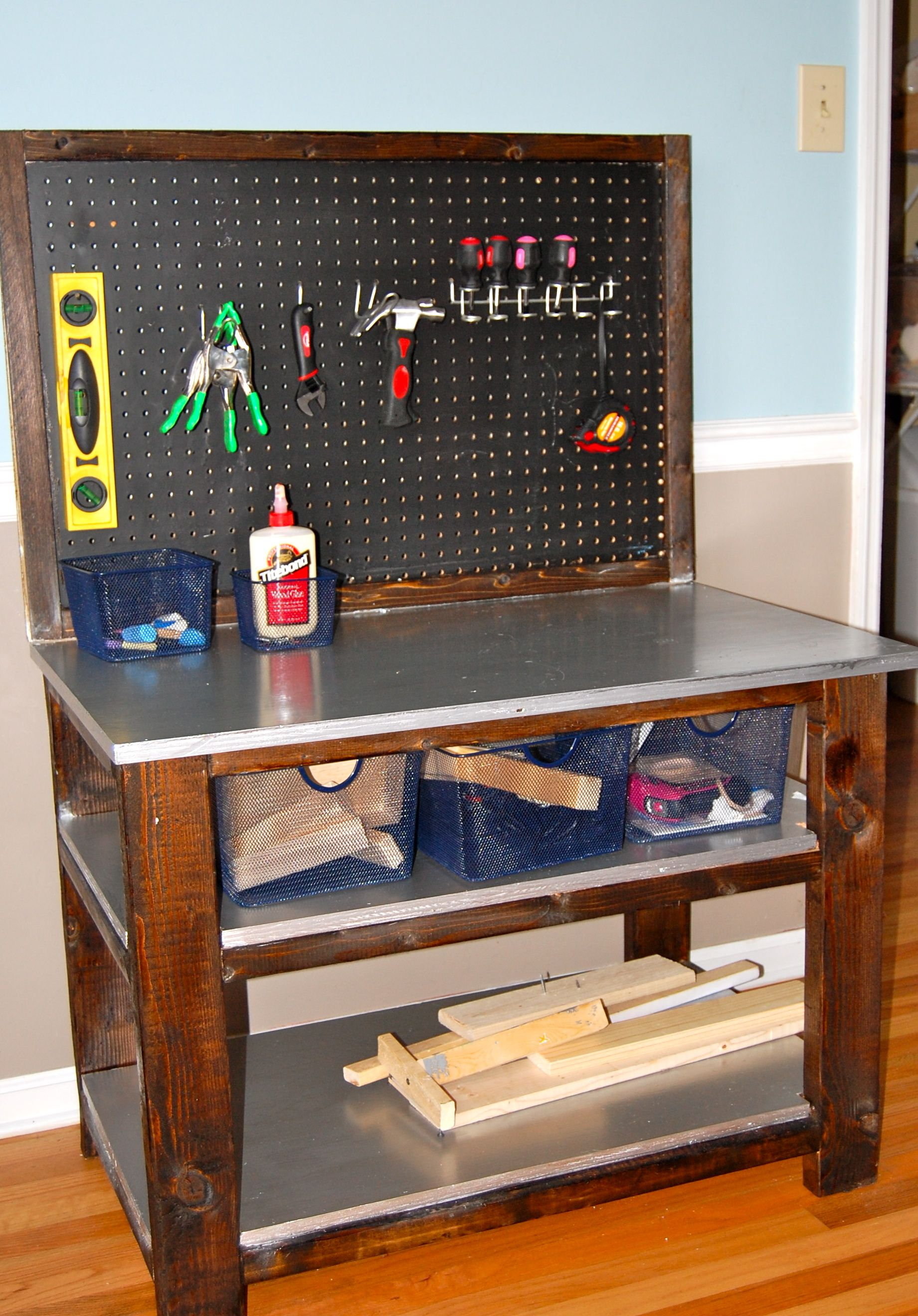 bigger kids workbench do it yourself home projects from ana white kid 39 s toys to make. Black Bedroom Furniture Sets. Home Design Ideas
