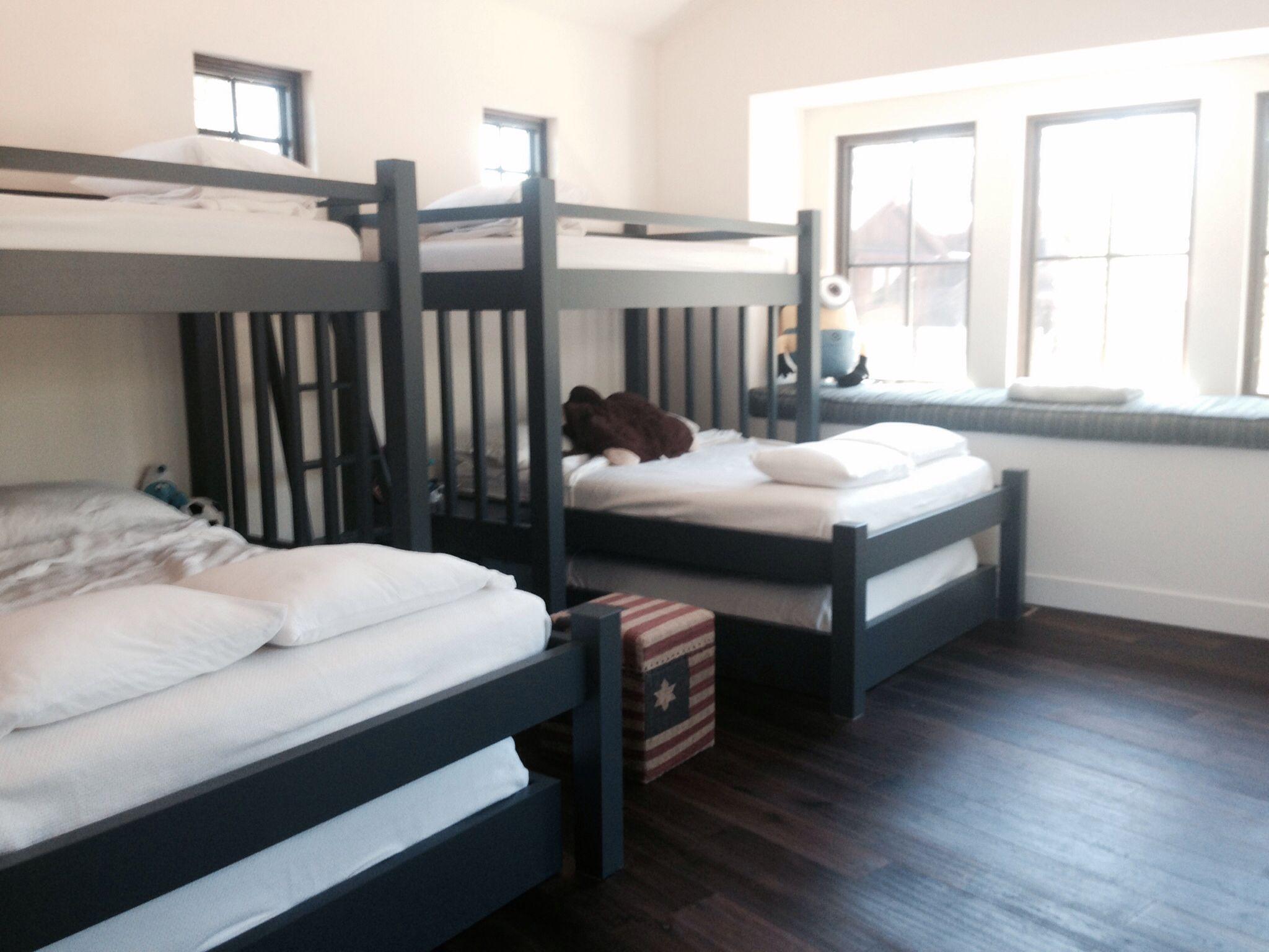 Twin over Queen over Full Custom bunk beds, Queen bunk