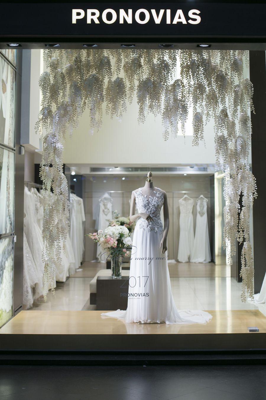 Una Visita Al Pronovias Store Di Milano Wedding Wonderland Pronovias Vetrine Interni Di Negozio