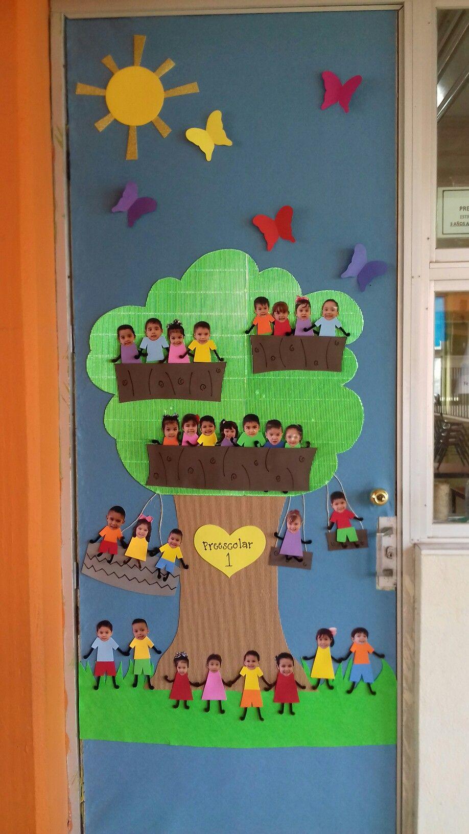 Puerta decorada de primavera spring classroom door for Decoracion puerta aula infantil