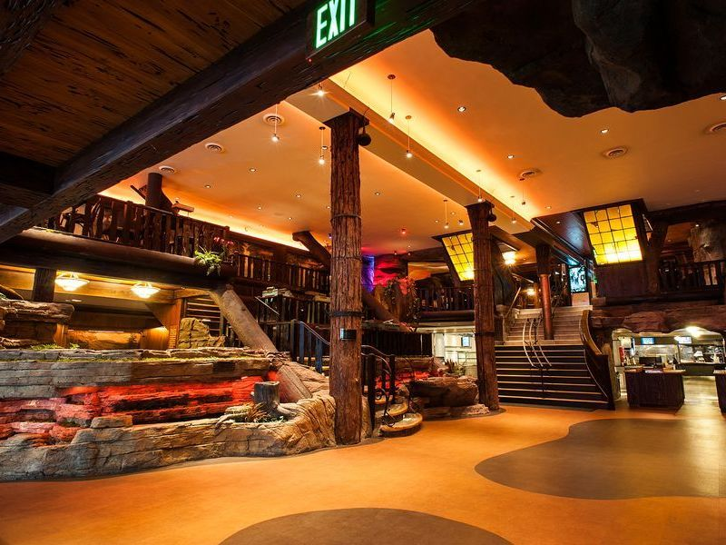 Where To Take The Kids To Eat In Los Angeles Los Angeles Restaurants Cool Restaurant Clifton Cafeteria