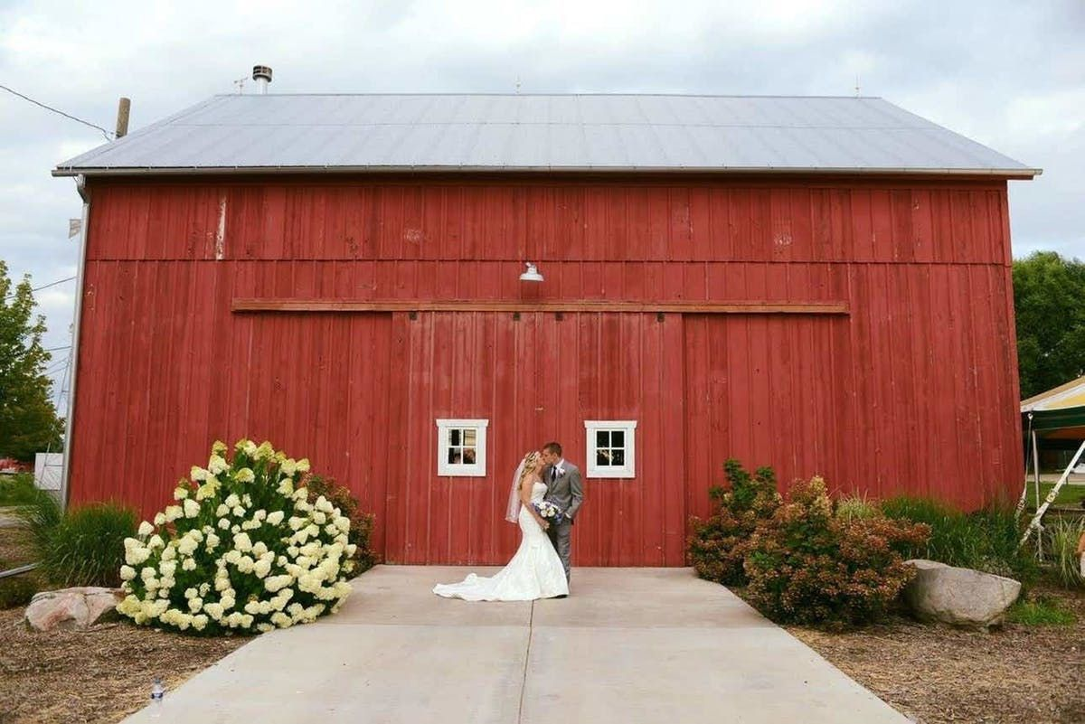 20 Rustic Illinois Wedding Venues | See Prices in 2020 ...