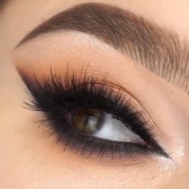 Photo of Simple Sexy Smokey Eye Makeup 2019