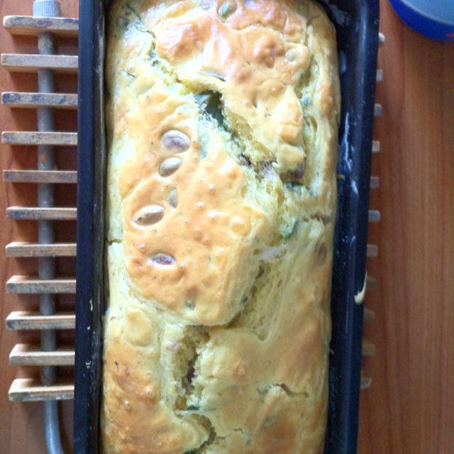 Plumcake con feta pistacchi e basilico...