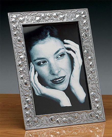 """Rudolf Chlada: Frame """"Rosebower"""""""