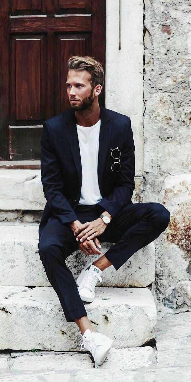 5 Minimal Street Style Looks To Help You Look Sharp In Basics