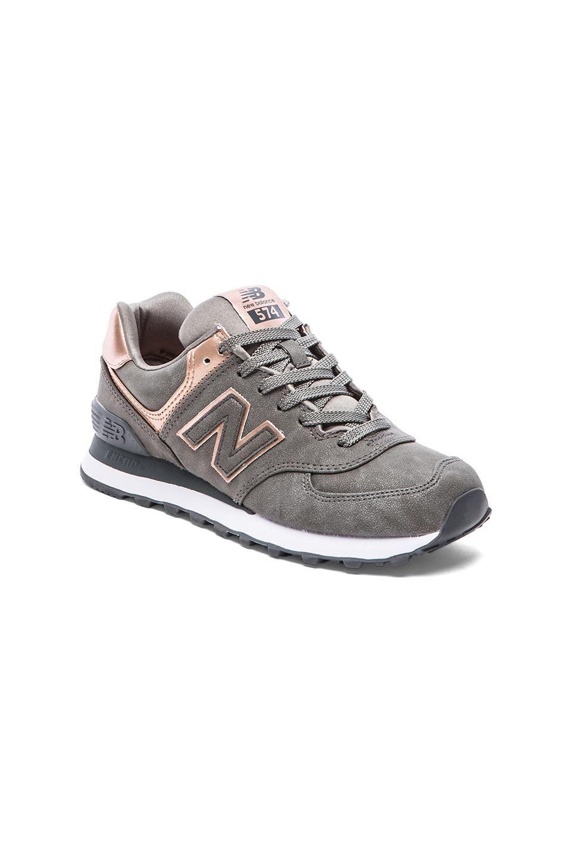 New Balance 574 Precious Metals Collection Sneaker en Plateado ...