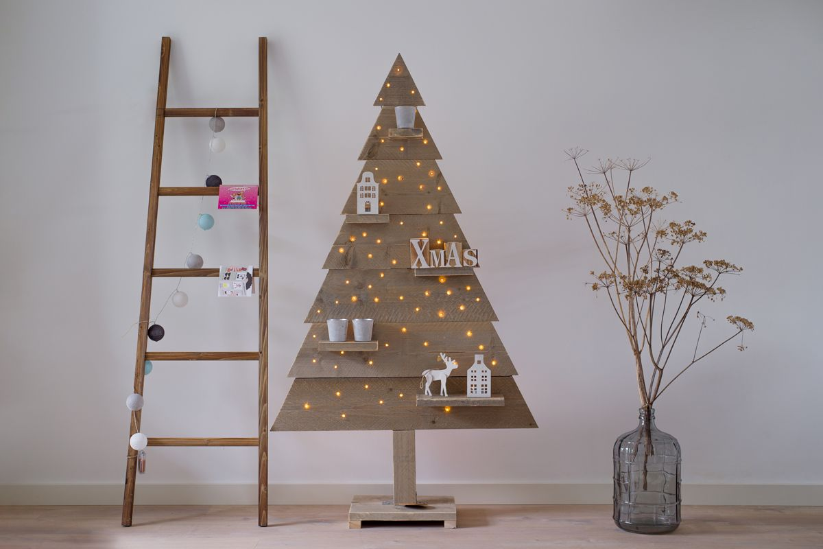 Kerstboom Steigerhout Dicht Met Led Verlichting 170 cm ACTIE
