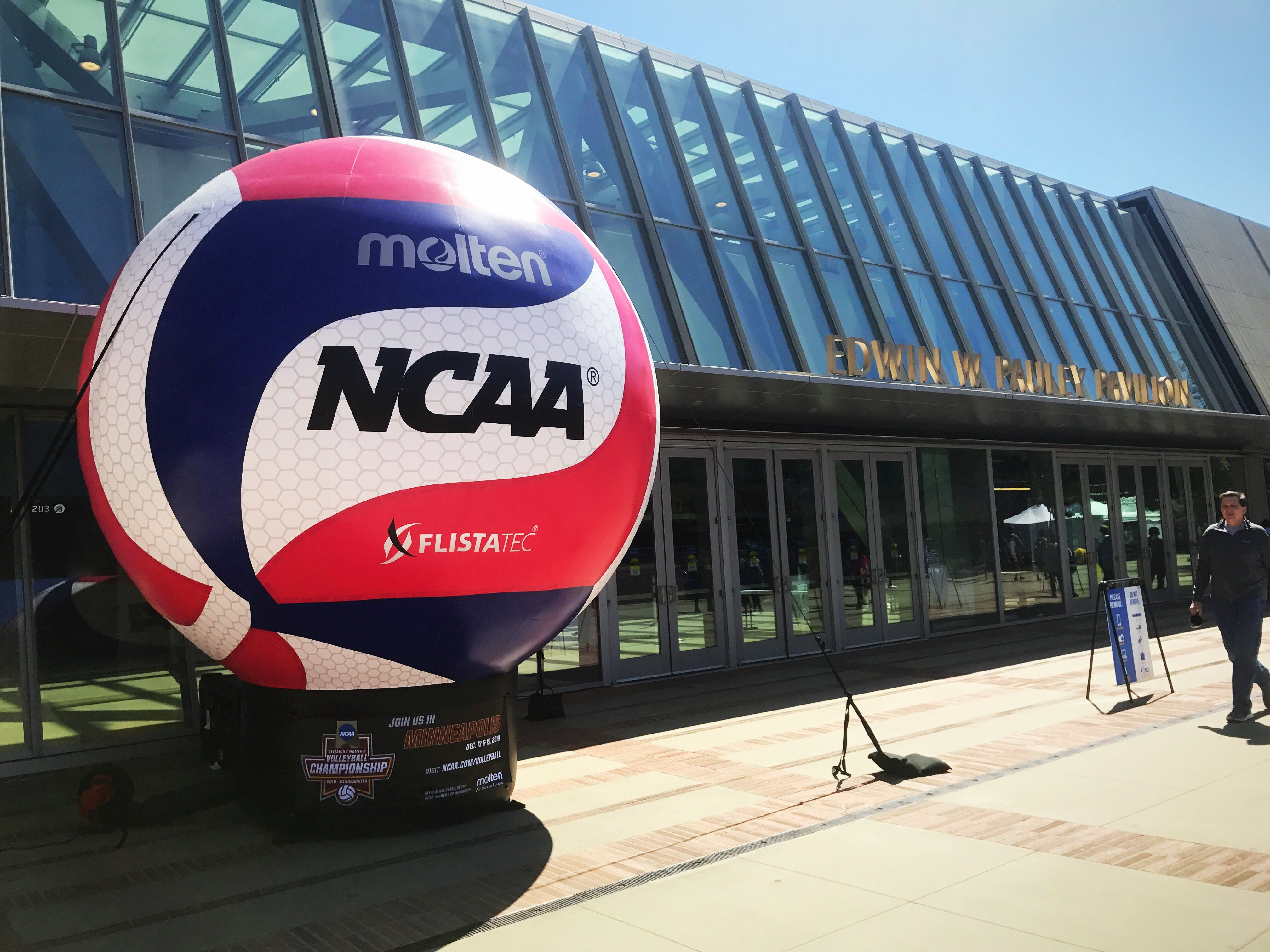 2018 Ncaa Men S Volleyball Championship Outdoor Volleyball Net Volleyball Usa Volleyball