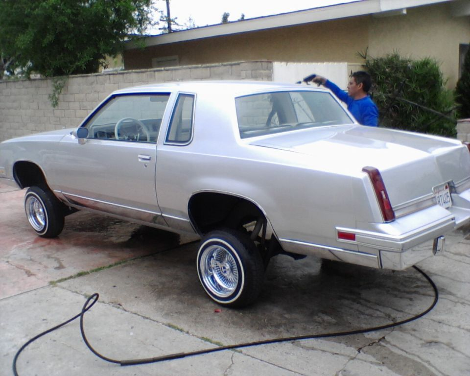 Image gallery silver lowrider for 87 cutlass salon