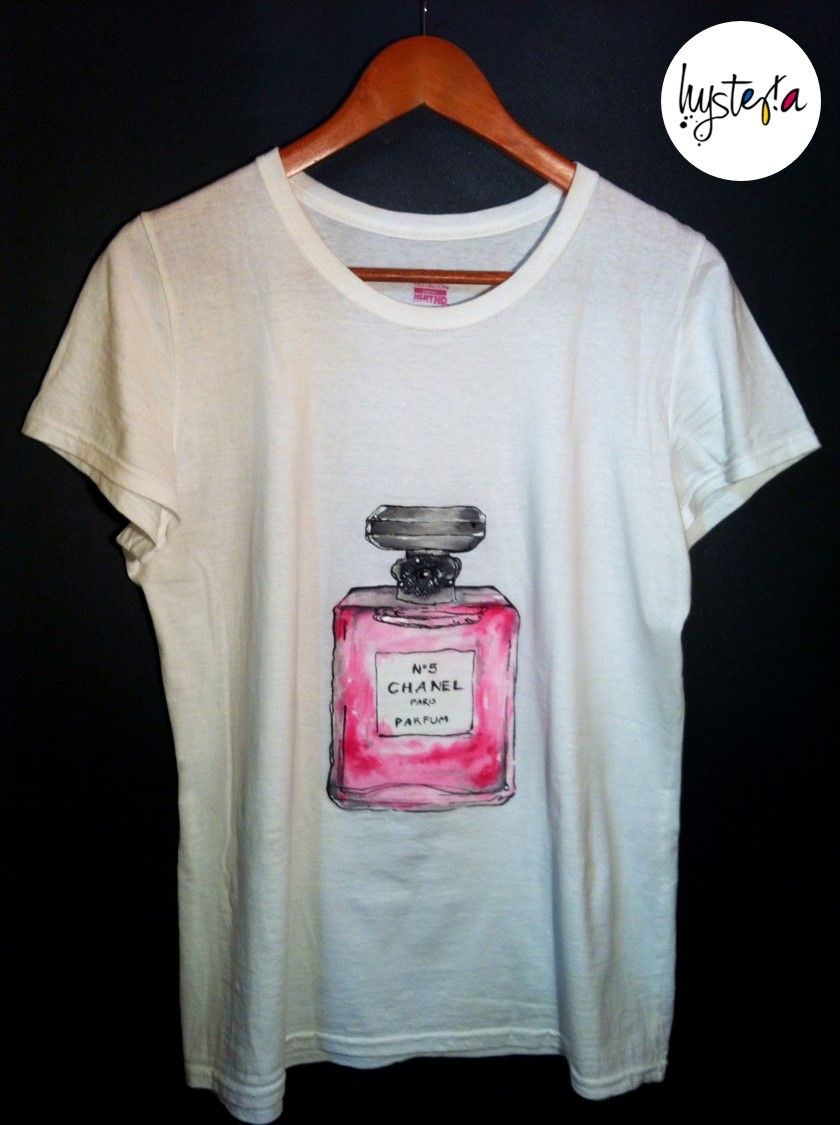 Molto Playera gráfica pintada a mano: Chanel No.5 // Handpainted graphic  TX65