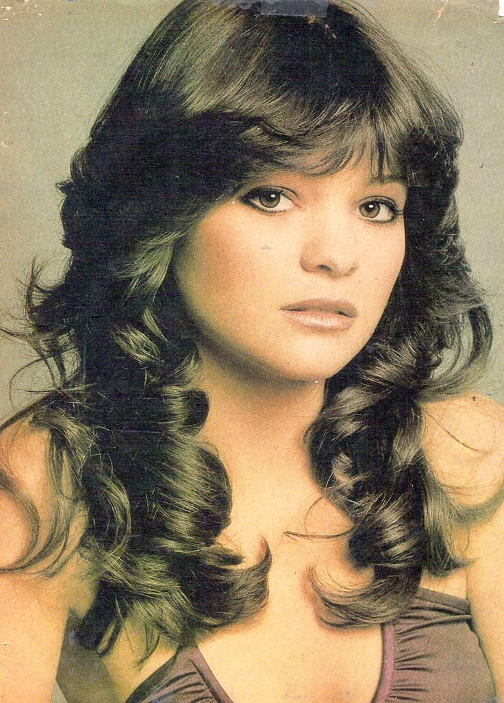1970s Hairstyle Ideas For Women Elle Hairstyles 1970s Hairstyles Hair Styles Vintage Hairstyles