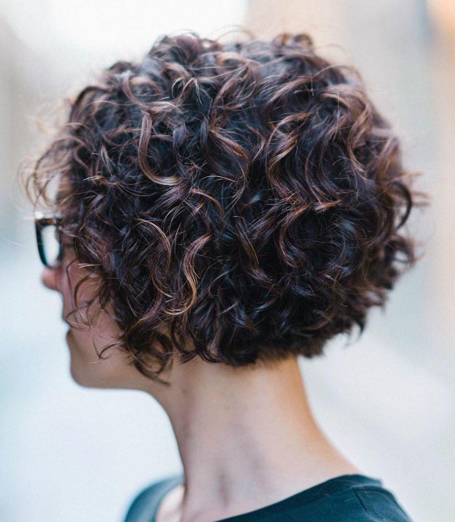 9 schönsten kurzen gewellten Frisuren - #frisuren #gewellten
