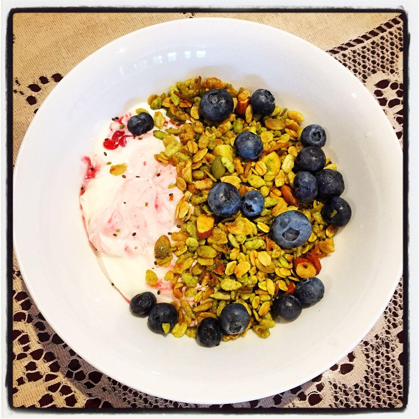 Homemade Matcha Muesli w Blueberries & Gippsland Watermelon & Strawberry Yoghurt  #mealforameal #instafood #foodpic #foodelicious #muesli #matcha #greentea  #gippslanddairy #matchamuesli #watermelonandstrawberrytwist #almond #walnut #macadima #sunfloweseeds #pumpkinseeds #blueberry #maplesyrup #vanilla #brownsugar #coconut #chiaseed #yummygoodness #brekkie #breakfast #healthyeating