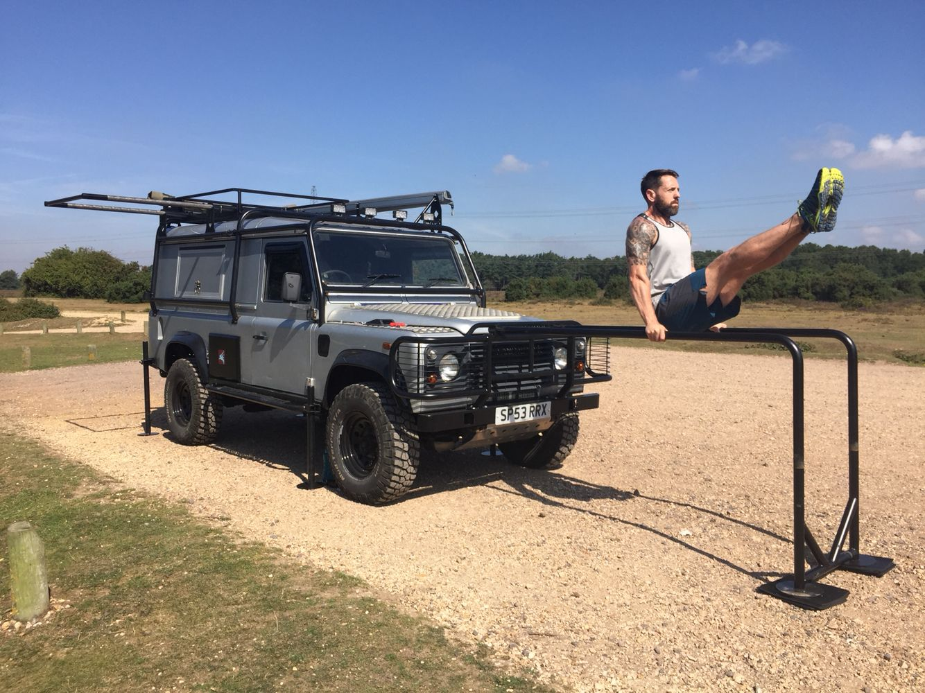 Gym rover training vehicle Land Rover 110 Defender Autos