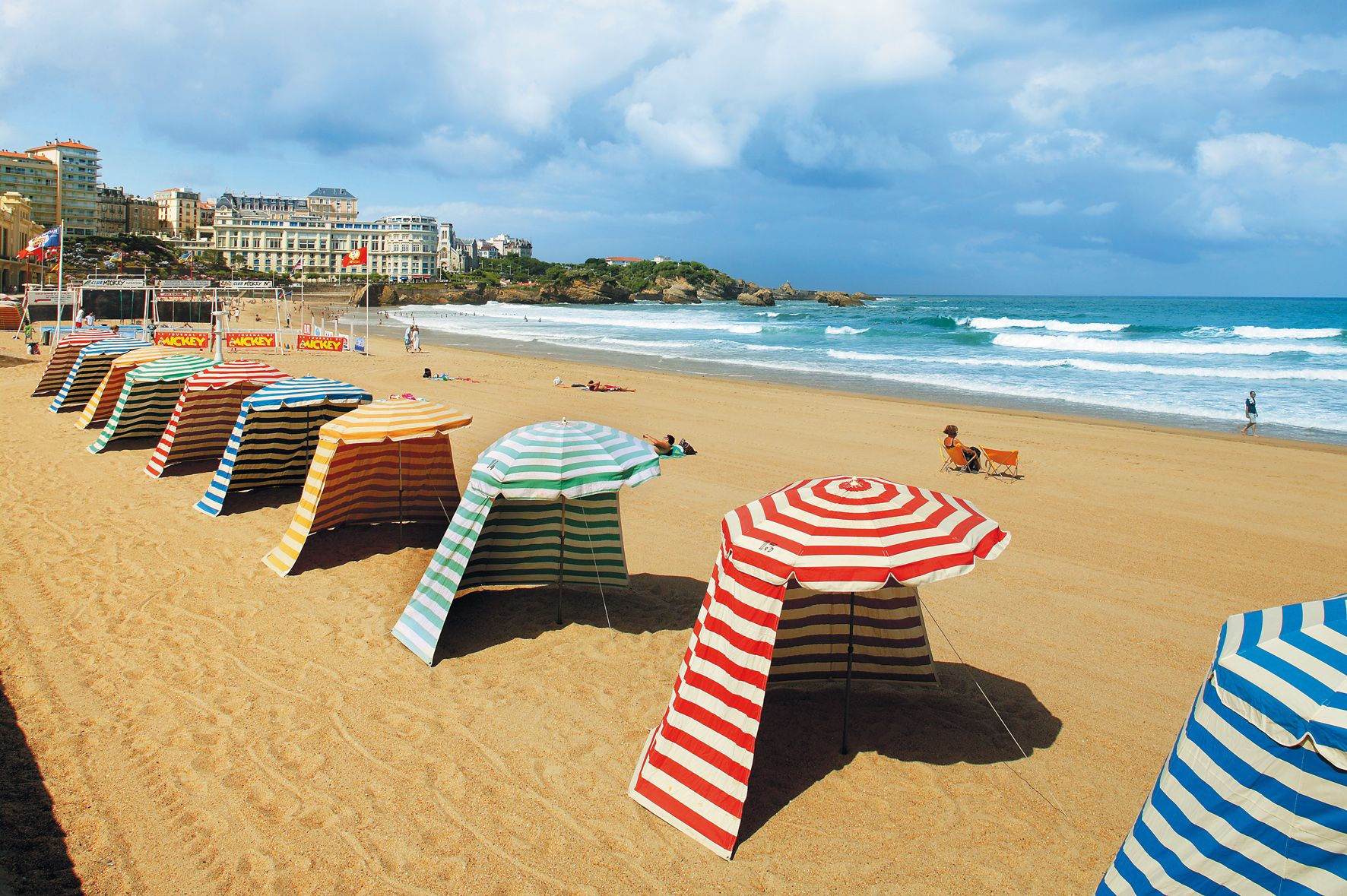 location tente plage biarritz