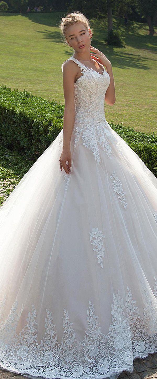 Gorgeous Tulle V-neck Neckline Ball Gown Wedding Dresses with Lace ...
