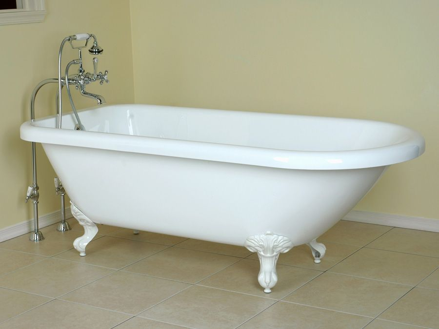 I need a stand-alone bathtub in my life. | home | Pinterest ...