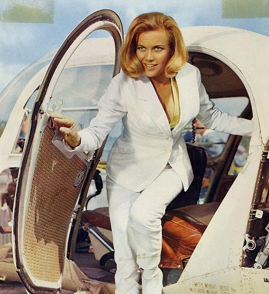 Honor Blackman, Goldfinger 1964 | James bond girls, James bond ...