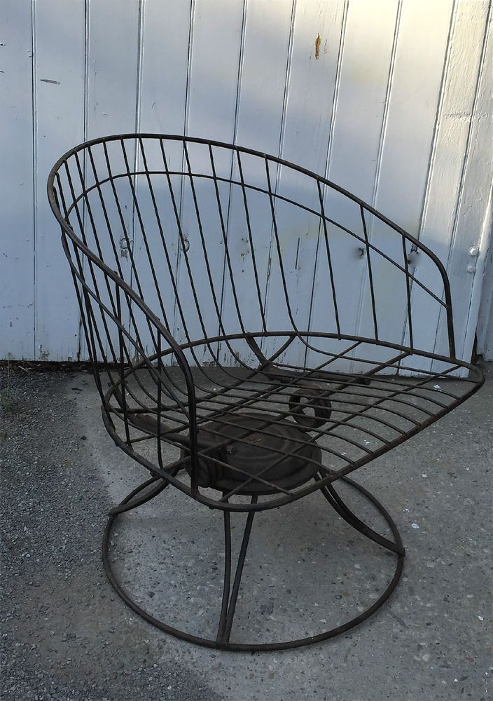 Mid Century Swivel Rocker Homecrest Wire Outdoor Patio Barrel Back Lounge Chair #MidCenturyModern #Homecrest