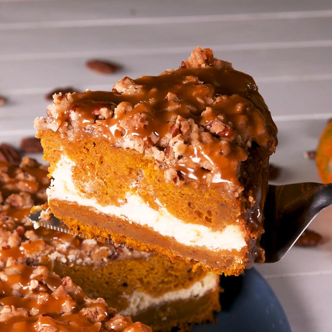 Pumpkin Cheesecake Coffee Cake #pumpkincheesecake