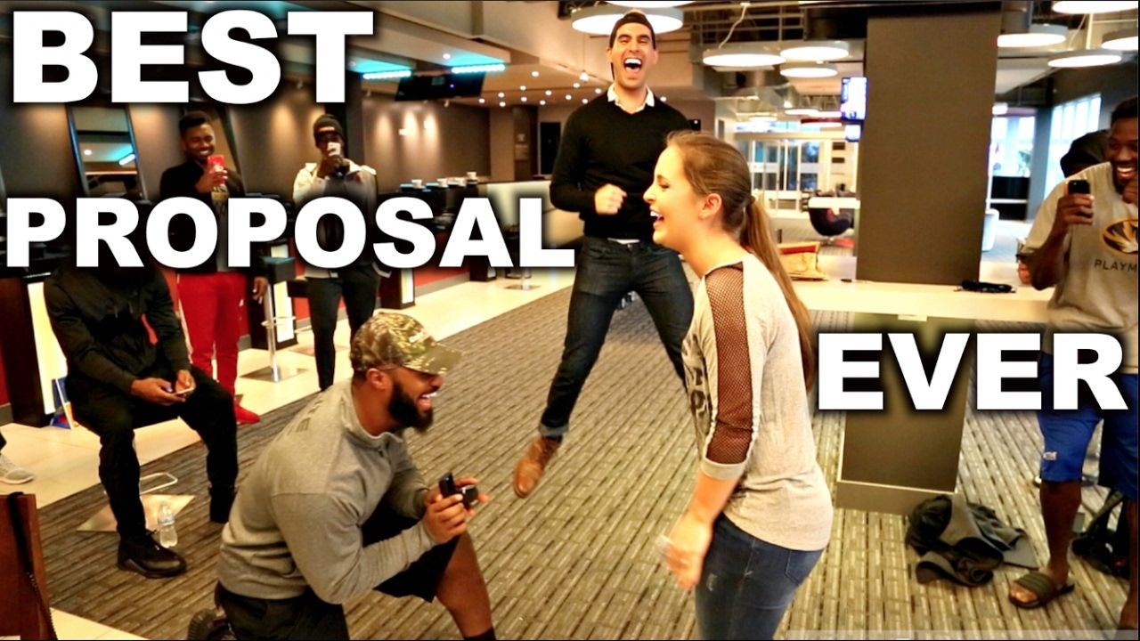 Football superstar magically proposes to girlfriend nfl
