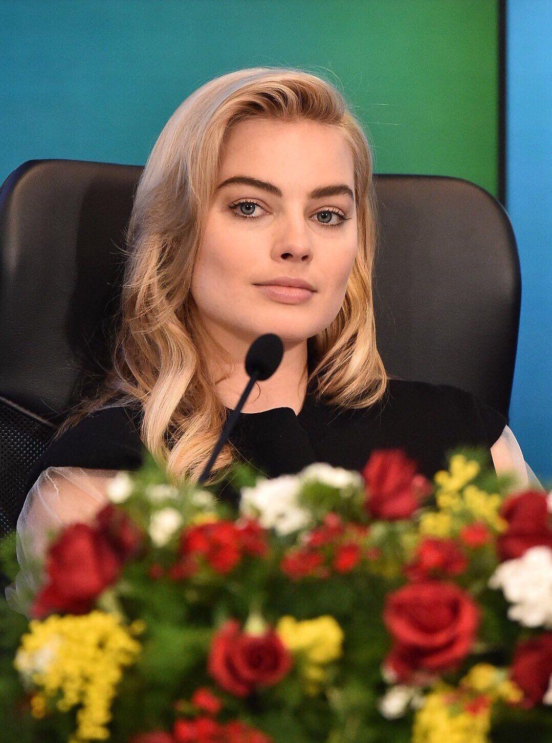 Margot Robbie Margot Robbie In 2018 Pinterest Margot Robbie