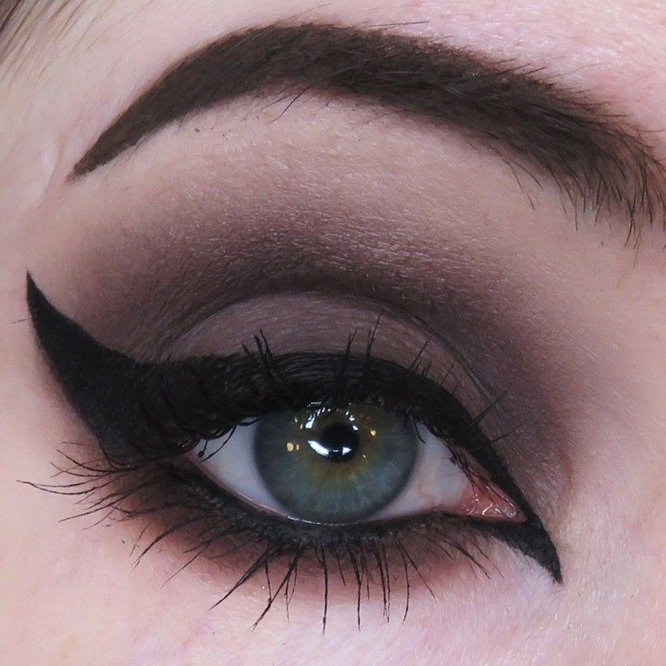 Concrete Mineral - Disturbia Pro Matte Eyeshadow - Buy Online Australia Beserk